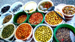 Olives basques en circuit court - Olives au marché d'Hasparren